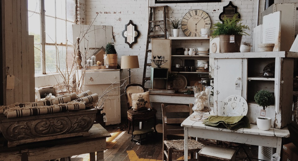 9 Quirky Furniture Spots Hipsters Don't Want You to Know About in Chicago - 9 Quirky Furniture Spots Hipsters Don't Want You To Know About In