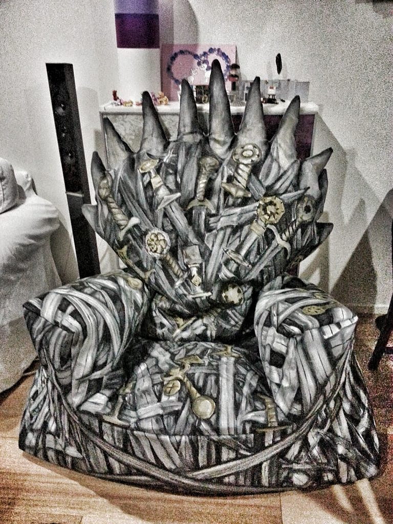 If You Re Willing To Join The Las Of King S Landing For Some Needlework This Diy Iron Throne Beanbag Chair Is Undoubtedly Er And A Lot Cozier