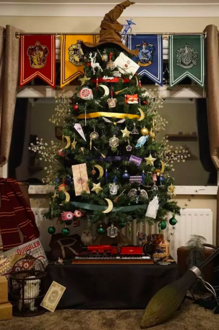 Harry Potter and Hogwarts themed Christmas tree
