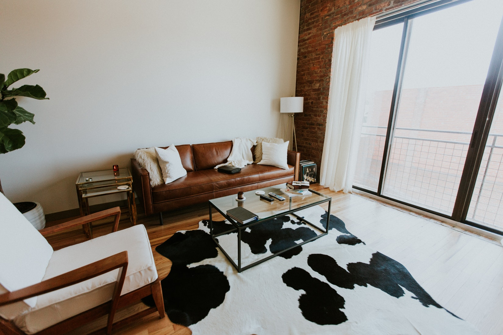 9 Expert Airbnb Hosting Tips for Designing the Ultimate
