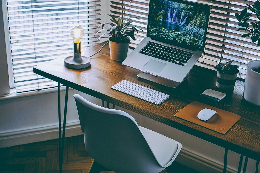 Small Business Furniture to Make the Most of Your Small ...