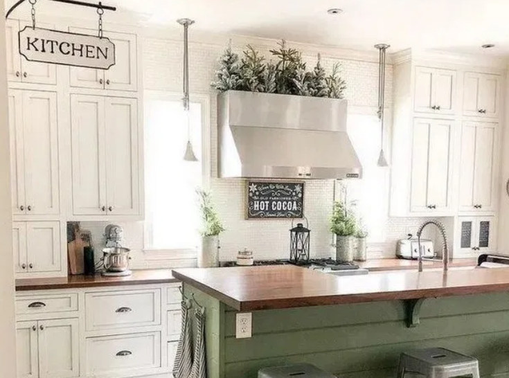 Countryside Plants & Green Kitchen Decor